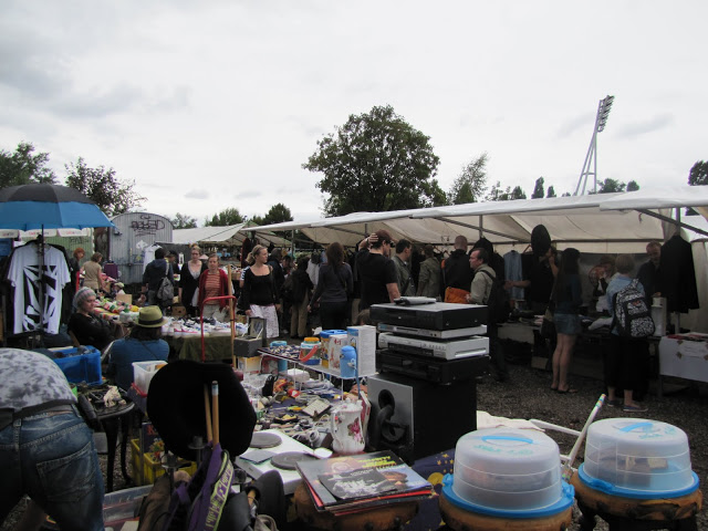 Fleamarket —always looking for a bargin