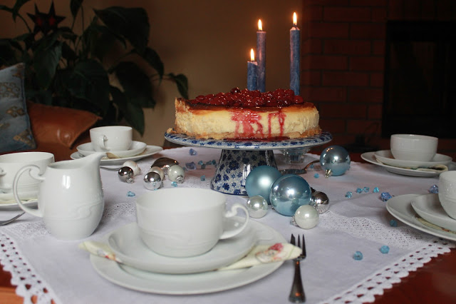 A cheesecake for Tablescape Thursday