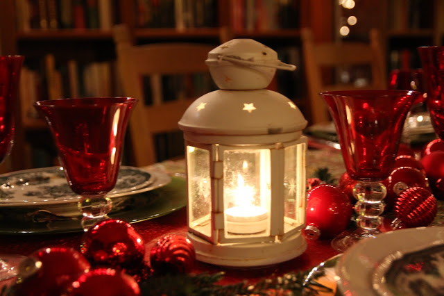 Christmas is coming…………Tablescape Nr. 1